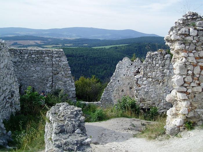 Чахтицкий замок (Cachtice castle) -замок Кровавой Графини. 79789