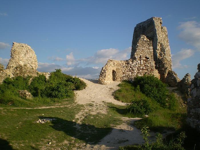 Чахтицкий замок (Cachtice castle) -замок Кровавой Графини. 91694