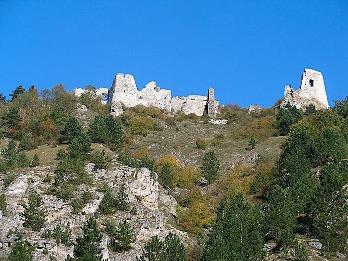 Чахтицкий замок (Cachtice castle) -замок Кровавой Графини. 68533