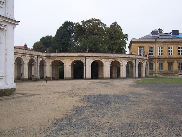 Плосковице (Ploskovice) - замок 17618