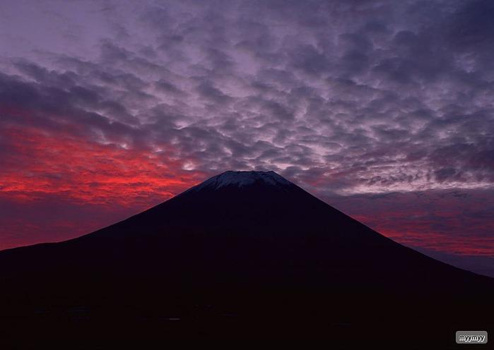 Величественный символ Японии - гора Фудзи 5