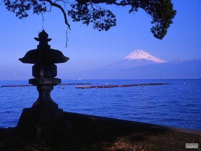 Величественный символ Японии - гора Фудзи 19