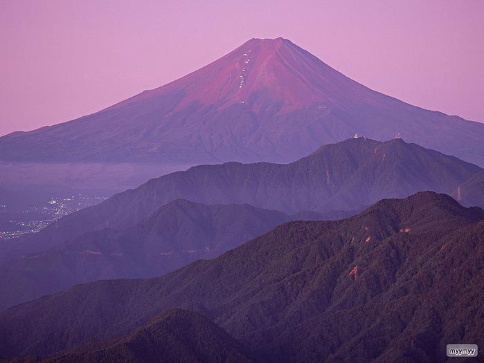 Величественный символ Японии - гора Фудзи 38