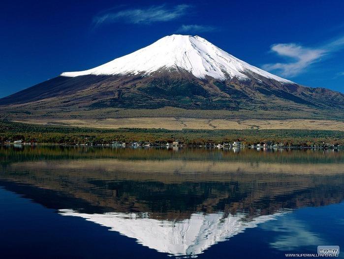 Величественный символ Японии - гора Фудзи 55