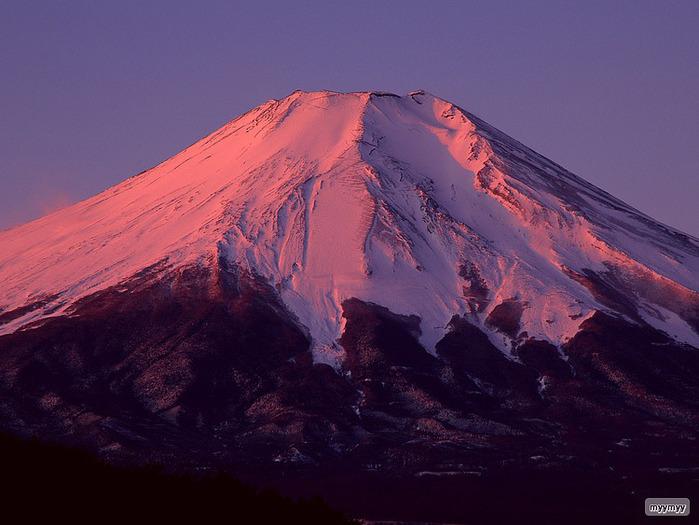 Величественный символ Японии - гора Фудзи 12