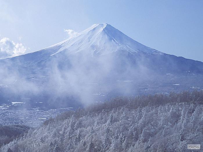 Величественный символ Японии - гора Фудзи 39