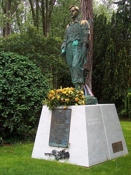 Кладбище Пер-Лашез 10774