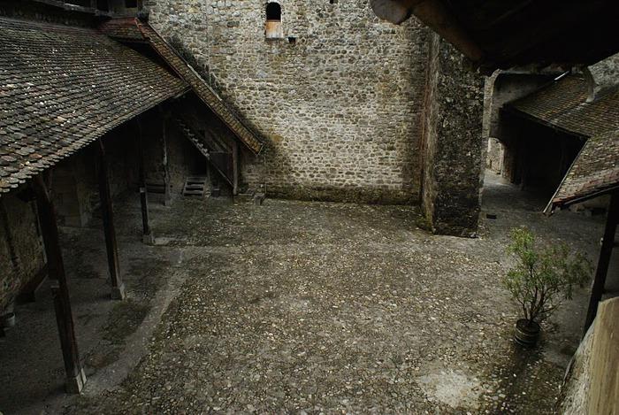Шильонский замок (Швейцария) 16897