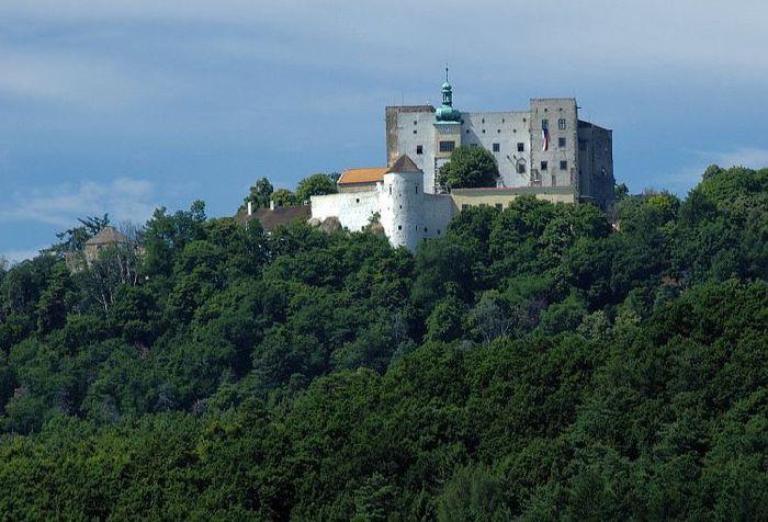 Замок Бухлов (Buchlov) 63315