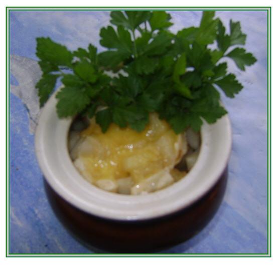 Горшочки с курицей (мясом), картошкой и грибами