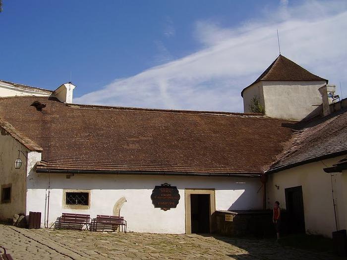 Замок Бухлов (Buchlov) 73174