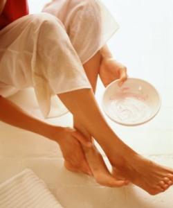 Как снять усталость ног от высоких шпилек.