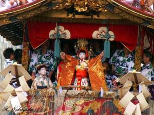священный праздник Гион-мацури в Киото