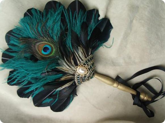 Веер – предмет коллекций историков моды и ценителей антиквариата