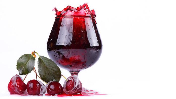 drink-cherry-wallpaper-1366x768 (699x393, 61 Kb)