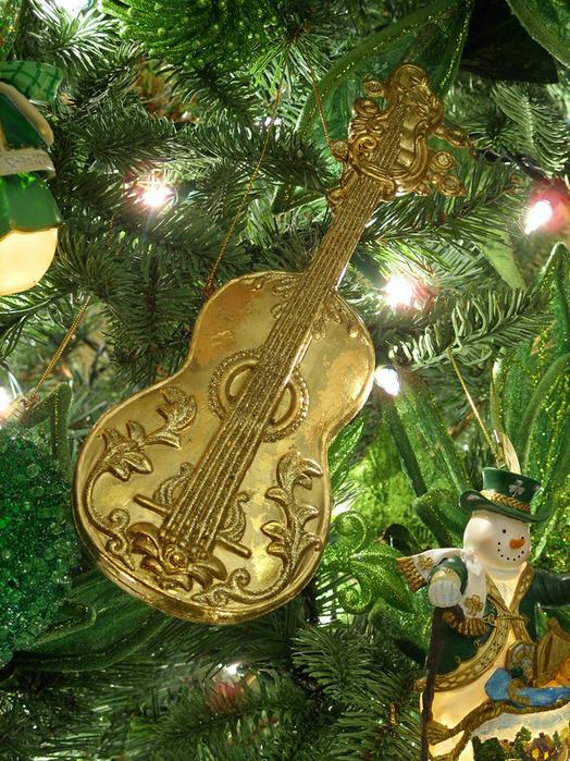 Какой он Новый год? 68470087_1293558276_musicinstrumentornamentcello