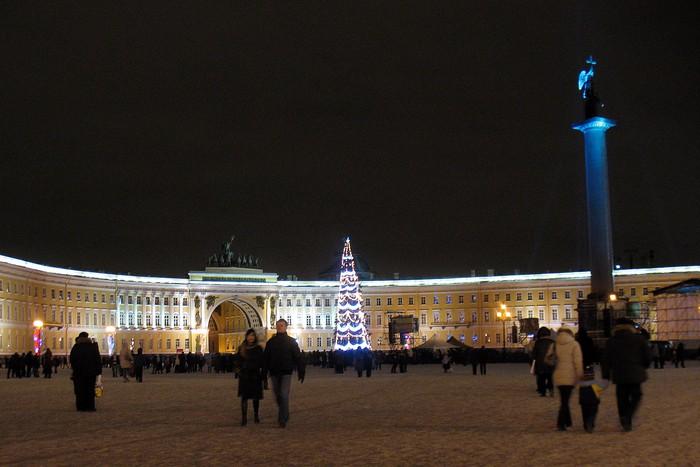 С.-Петербург, Дворцовая площадь.