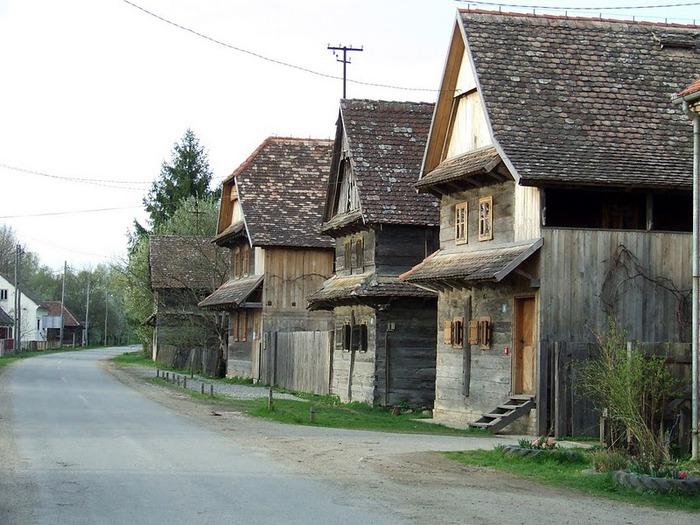 Деревянные дома в заповедном болоте - «Лоньско поле» 45081