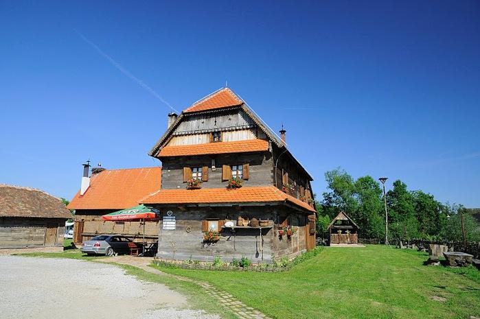 Деревянные дома в заповедном болоте - «Лоньско поле» 52024