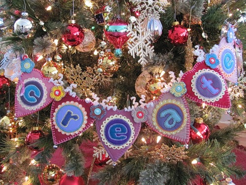 christmas decorations made of felt