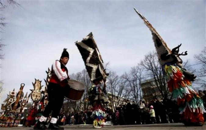 Международный фестиваль маскарадных игр в Перник недалеко от Софии, 30 января 2011 года.