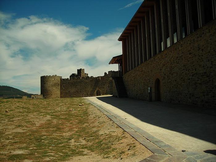 Понферрада (Castillo de Ponferrada) - Замок тамплиеров 62314