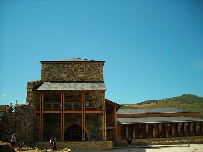 Понферрада (Castillo de Ponferrada) - Замок тамплиеров 13465