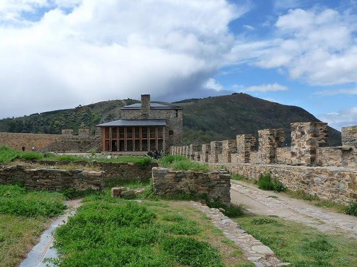 Понферрада (Castillo de Ponferrada) - Замок тамплиеров 46113