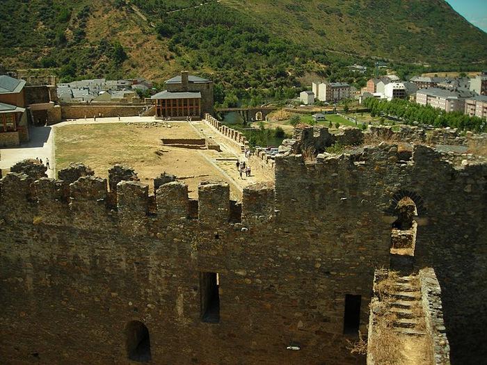 Понферрада (Castillo de Ponferrada) - Замок тамплиеров 28280