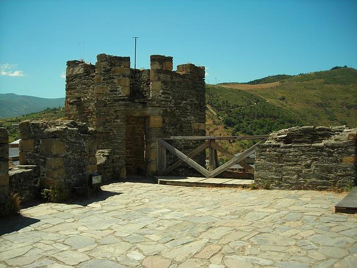 Понферрада (Castillo de Ponferrada) - Замок тамплиеров 73265