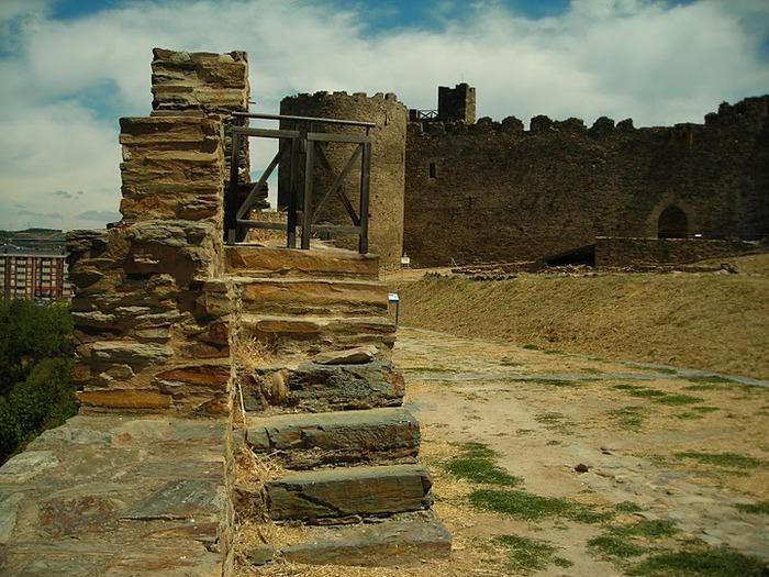 Понферрада (Castillo de Ponferrada) - Замок тамплиеров 29985