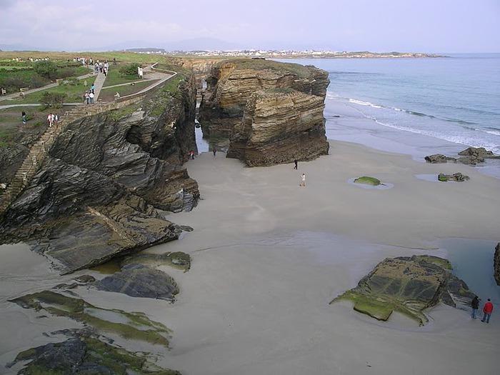 Playa de las catedrales 44155