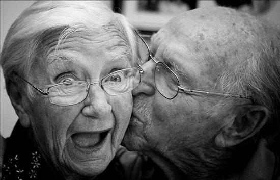 флэшмоб поцелуев