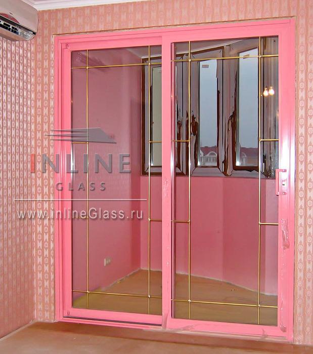дверь раздвижная розовая