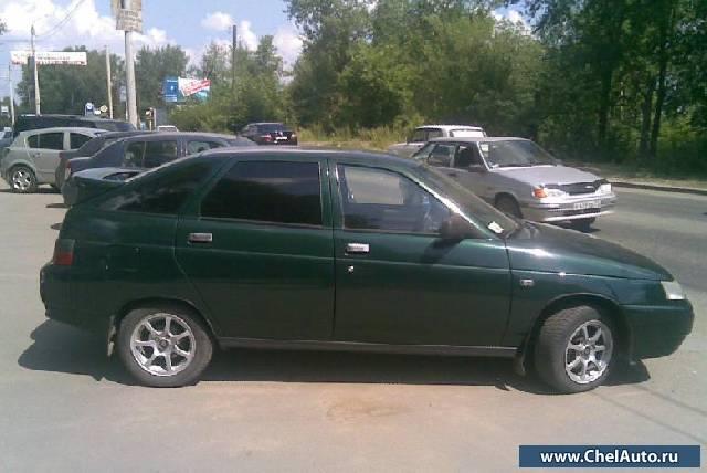 Темно-зелёный цвет машины