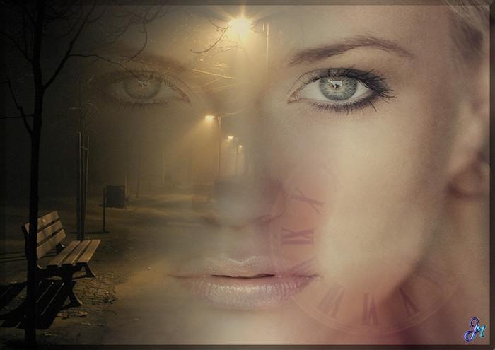 женщиной с глазами цвета