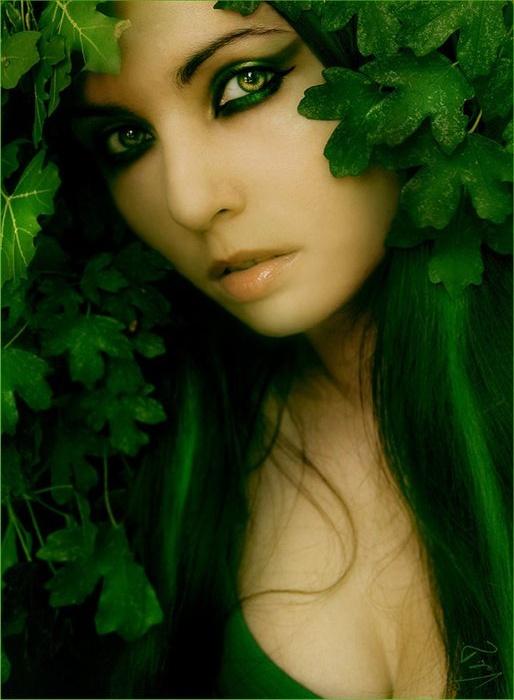 Какого цвета глаза у ведьмы