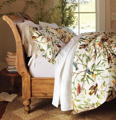 весенний декор спальни
