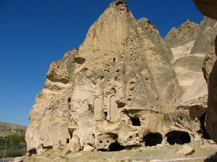 вырубленный в скалах - монастырь Селиме (Selime) 25795