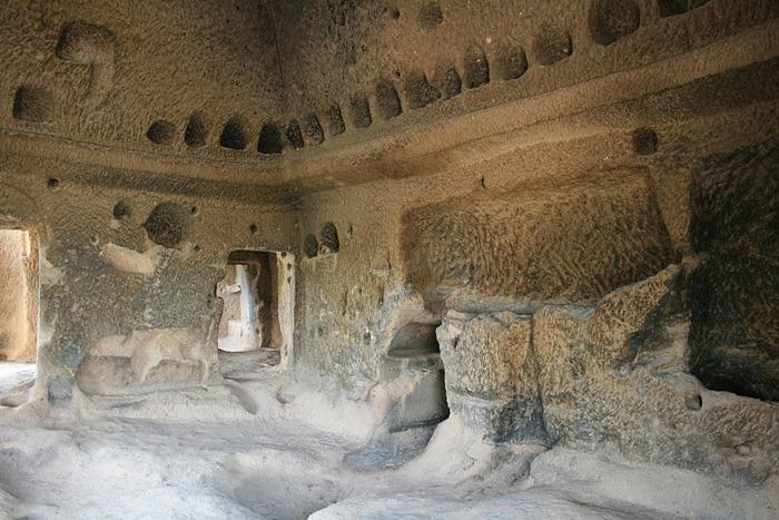 вырубленный в скалах - монастырь Селиме (Selime) 82960