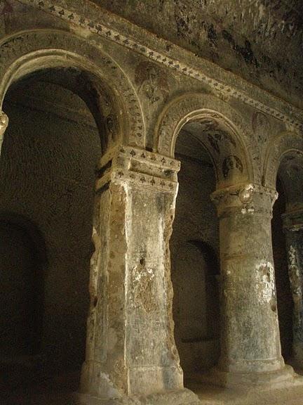 вырубленный в скалах - монастырь Селиме (Selime) 72250