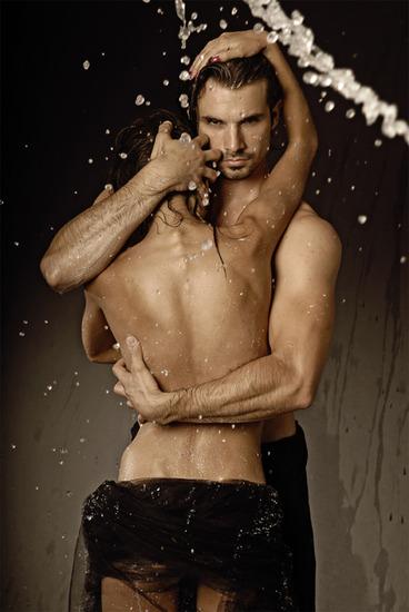 Guardian-passion-love-pics-Love-pics-body-Couple-passion-art-Love-hug-waterdrops-lovers-skin-kumar-k (368x550, 81 Kb)