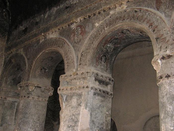 вырубленный в скалах - монастырь Селиме (Selime) 15531