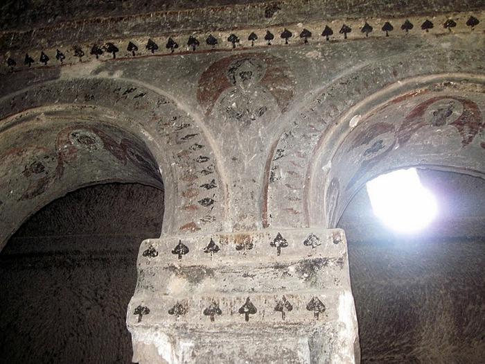 вырубленный в скалах - монастырь Селиме (Selime) 73464