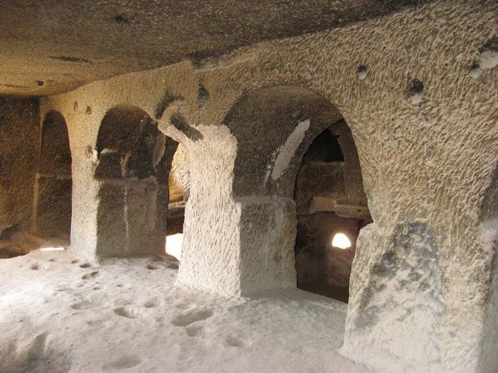 вырубленный в скалах - монастырь Селиме (Selime) 60724