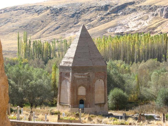 вырубленный в скалах - монастырь Селиме (Selime) 69769