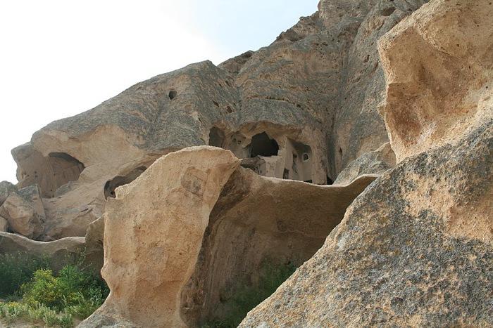 вырубленный в скалах - монастырь Селиме (Selime) 34973