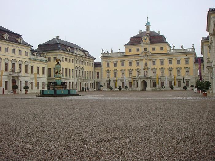 Людвигсбургский замок-резиденция. 71948