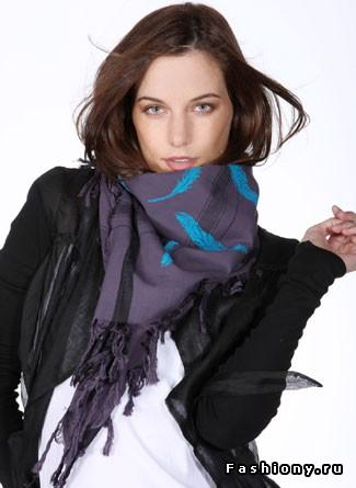 5 способов завязать платок на пальто