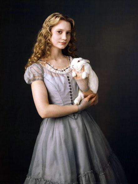 алиса из фильма алиса в стране чудес картинки
